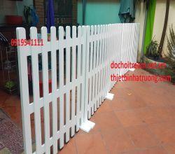 Hàng rào gỗ trắng