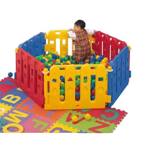 Bể bóng lục giác nhiều màu sắc