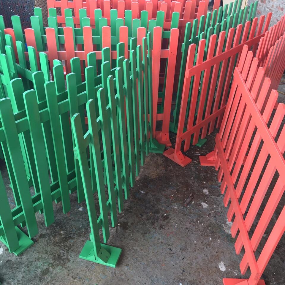 Hàng rào gỗ mầm non