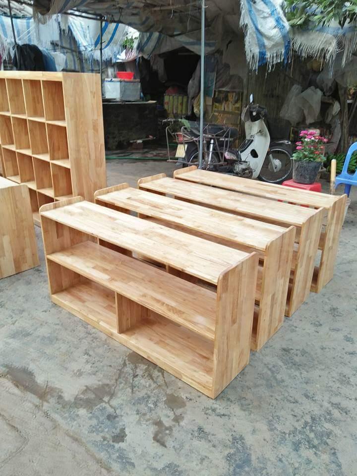 Kệ gỗ để đồ chơi 2 tầng