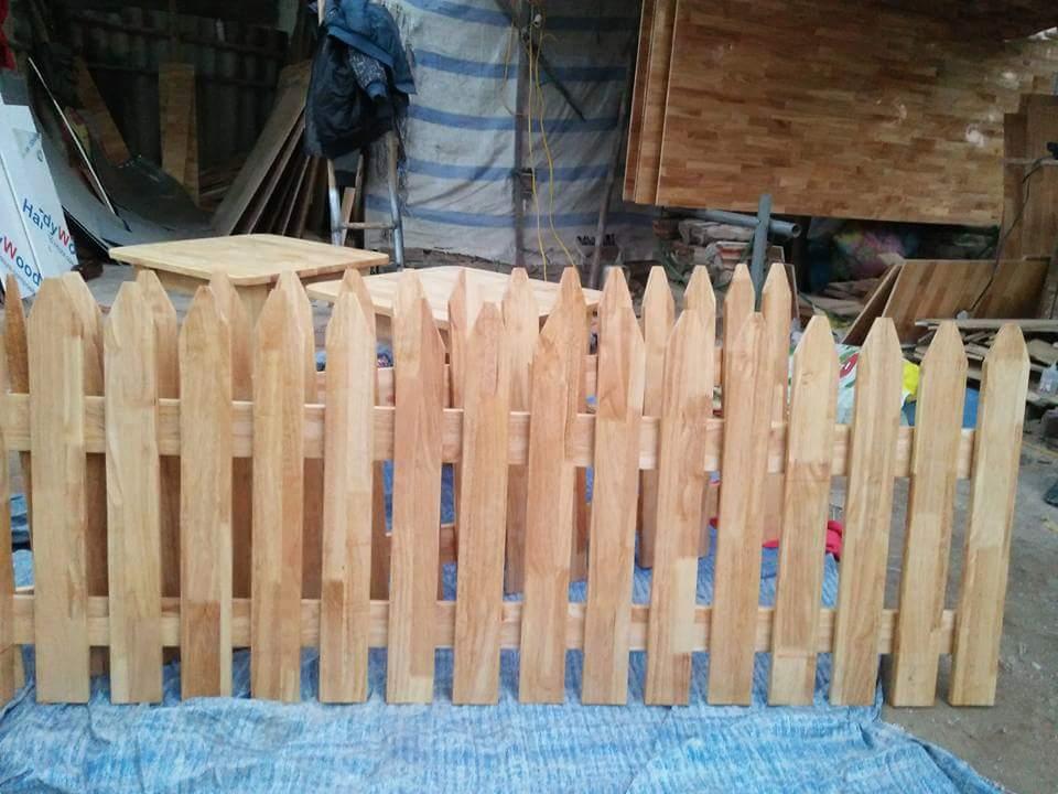Hàng rào gỗ thông ghép mầm non