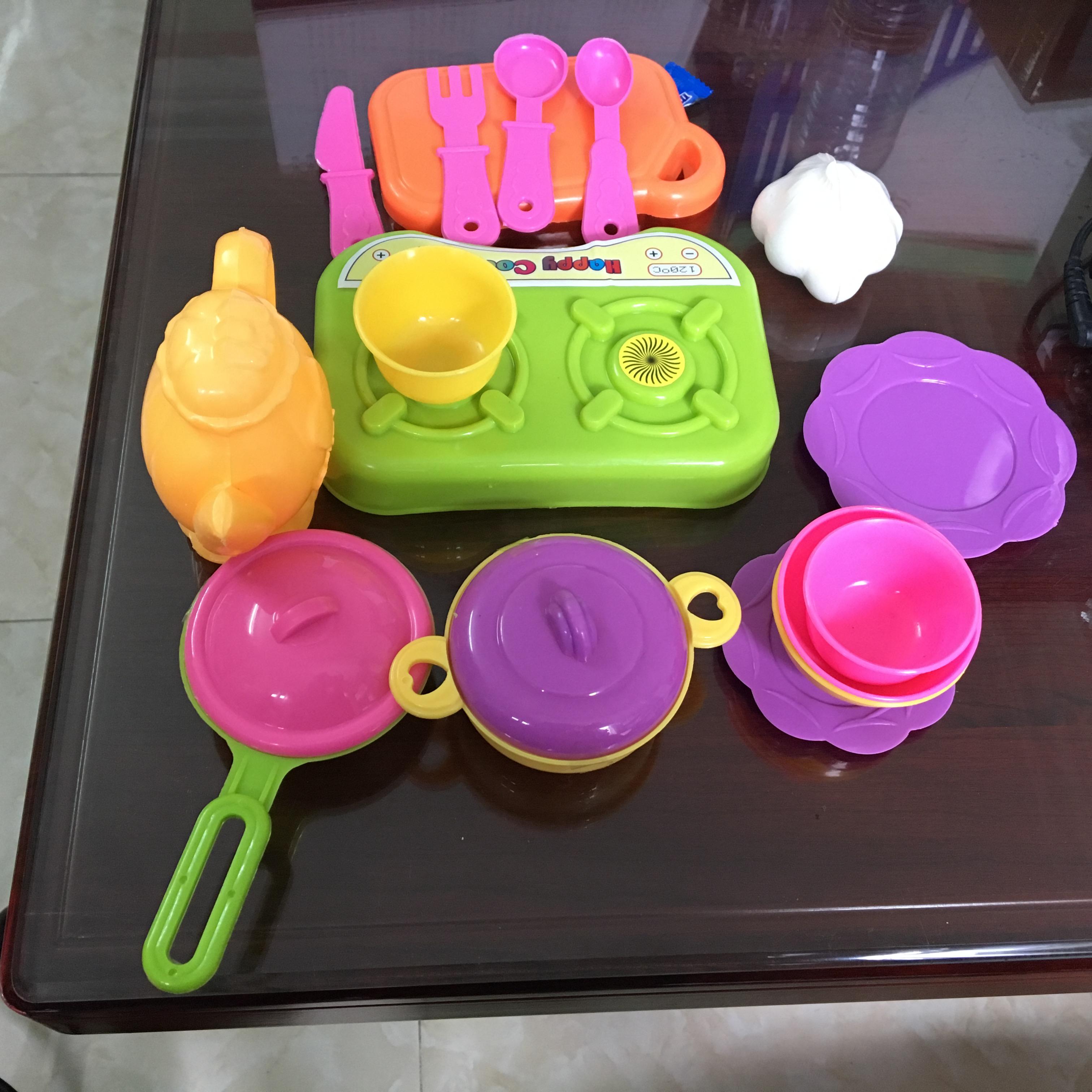 Đồ chơi đồ dùng nhà bếp