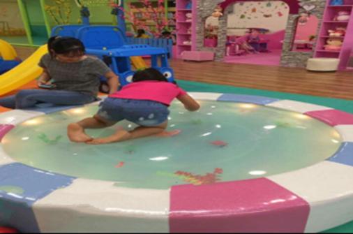 Bóng nước trẻ em