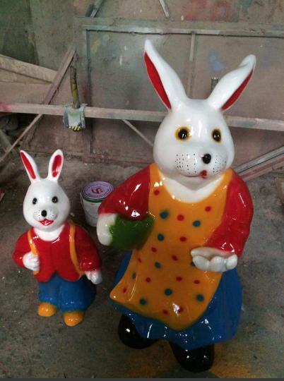 Tượng thỏ mẹ thỏ con