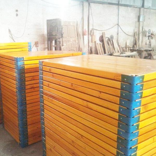 Phản gỗ mầm non